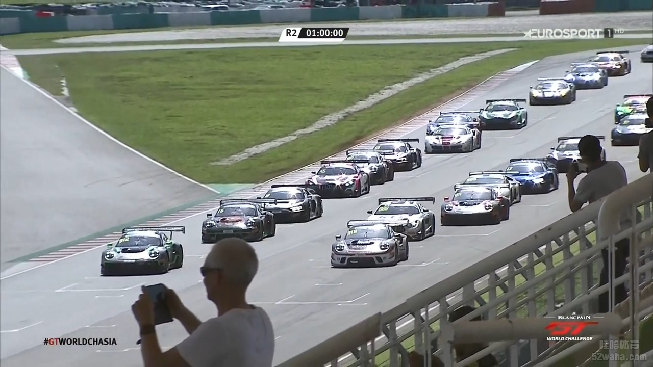 Blancpain.GT.Asia.2019.Round01.Sepang.Review.mp4_20190412_192701.591.jpg
